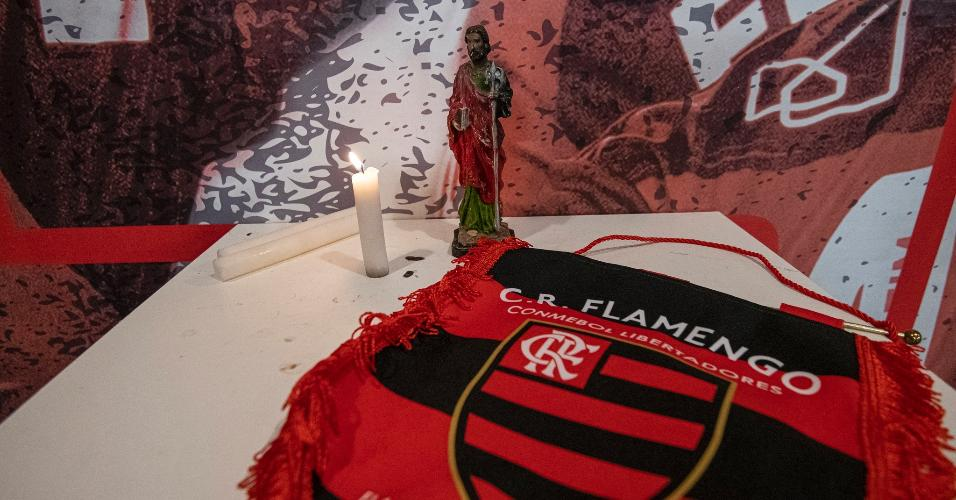 No Maracanã, vela acesa para São Judas Tadeu, padroeiro do Flamengo