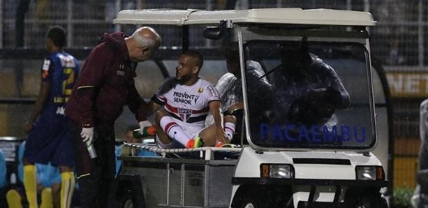 Carlinhos foi atacado pela torcida em empate contra o Grêmio