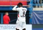 Balotelli se lesiona em treino de finalizações e para por até dez dias