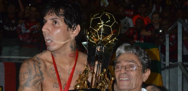Victor Ramos chegou ao Vitória em fevereiro, após negócio junto ao Monterrey-MEX