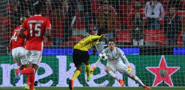 Brasileiro garantiu vitória do Benfica sobre o Dortmund