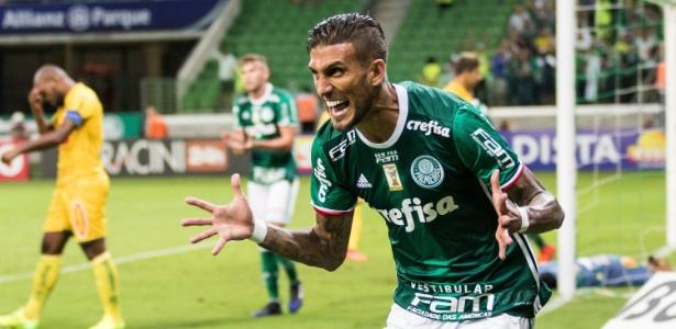 Diretoria do Cruzeiro confirmou interesse antigo em contar com atacante do Palmeiras
