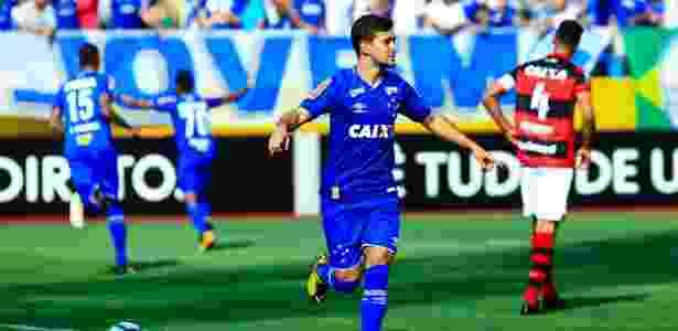 Arrascaeta celebra gol anotado diante do Atlético-GO nesse domingo (24) - Weimer Carvalho/Light Press/Cruzeiro