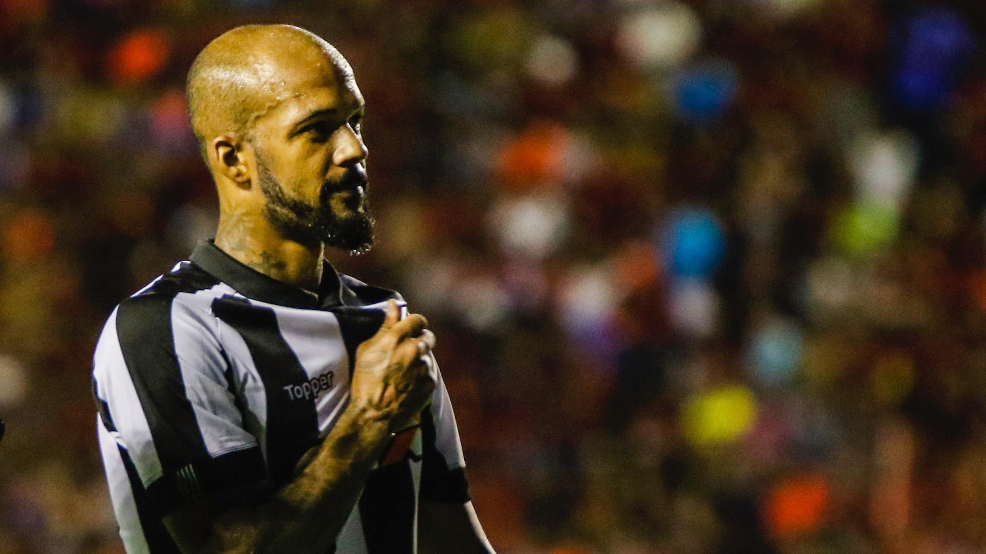 Bruno Silva comemora gol do Botafogo contra o Sport pelo Campeonato Brasileiro