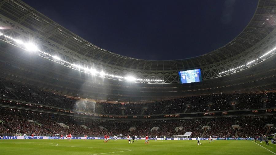 O estádio Luzhniki, que vai receber a abertura e a final da Copa de 2018 - Maxim Shemetov/Reuters