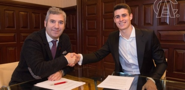Kepa Arrizabalaga assinou um contrato de renovação válido até 2025