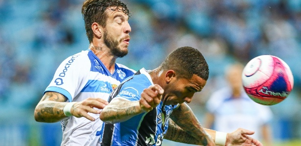 Jael disputa bola em jogo do Grêmio contra o Novo Hamburgo na Arena - Lucas Uebel/Grêmio