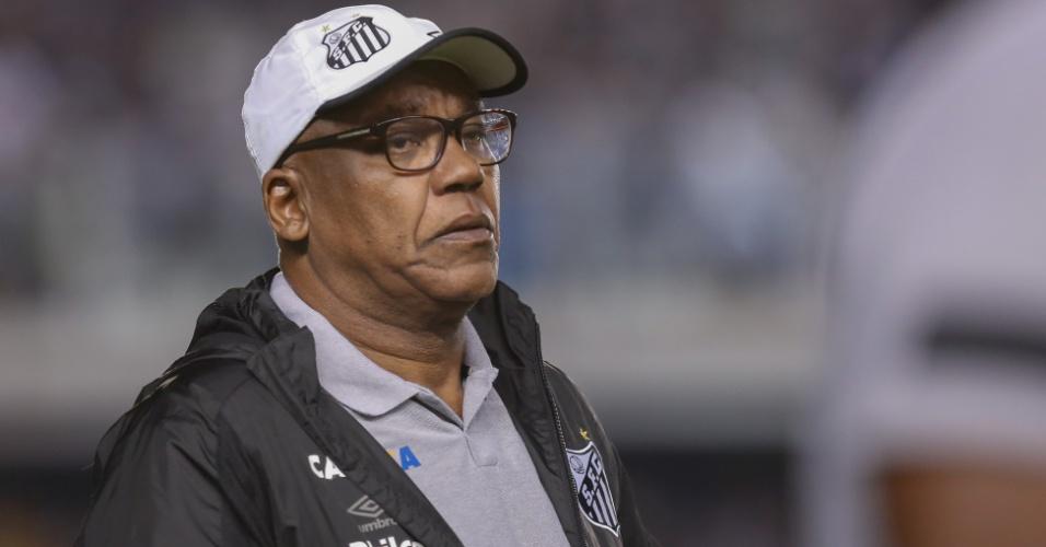 Serginho Chulapa foi técnico interino do Santos na partida contra o Flamengo