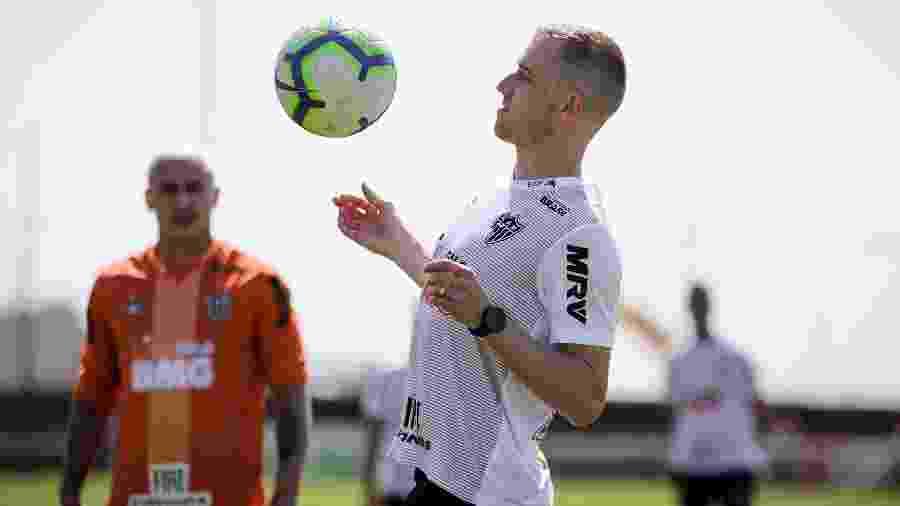 Adilson foi auxiliar técnico do Atlético-MG durante a última temporada - Bruno Cantini/Divulgação/Atlético-MG