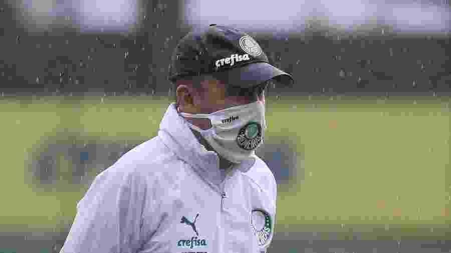 Andrey Lopes, técnico interino do Palmeiras, durante treino na Academia  - Cesar Greco