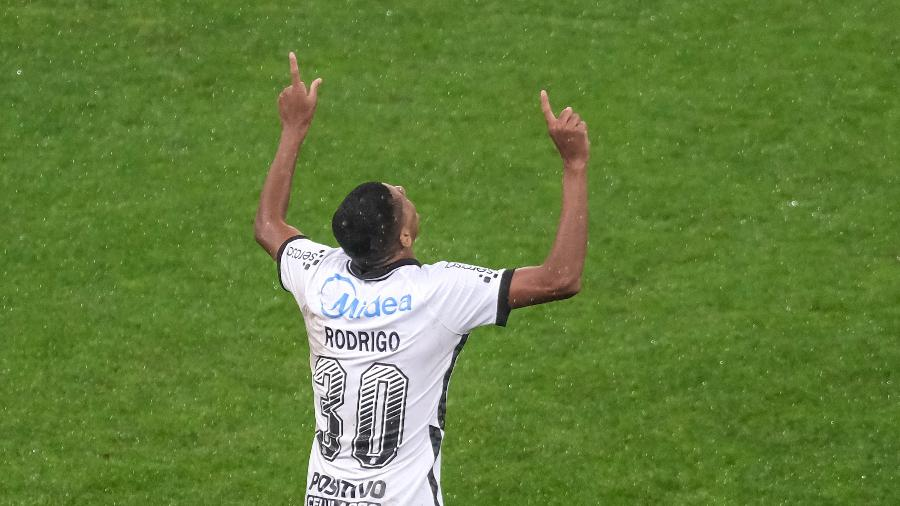 Rodrigo Varanda comemora gol contra o Palmeiras - Marcello Zambrana/AGIF
