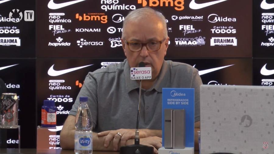 Roberto de Andrade, em coletiva de imprensa no Pq. São Jorge - Reprodução / TV Corinthians