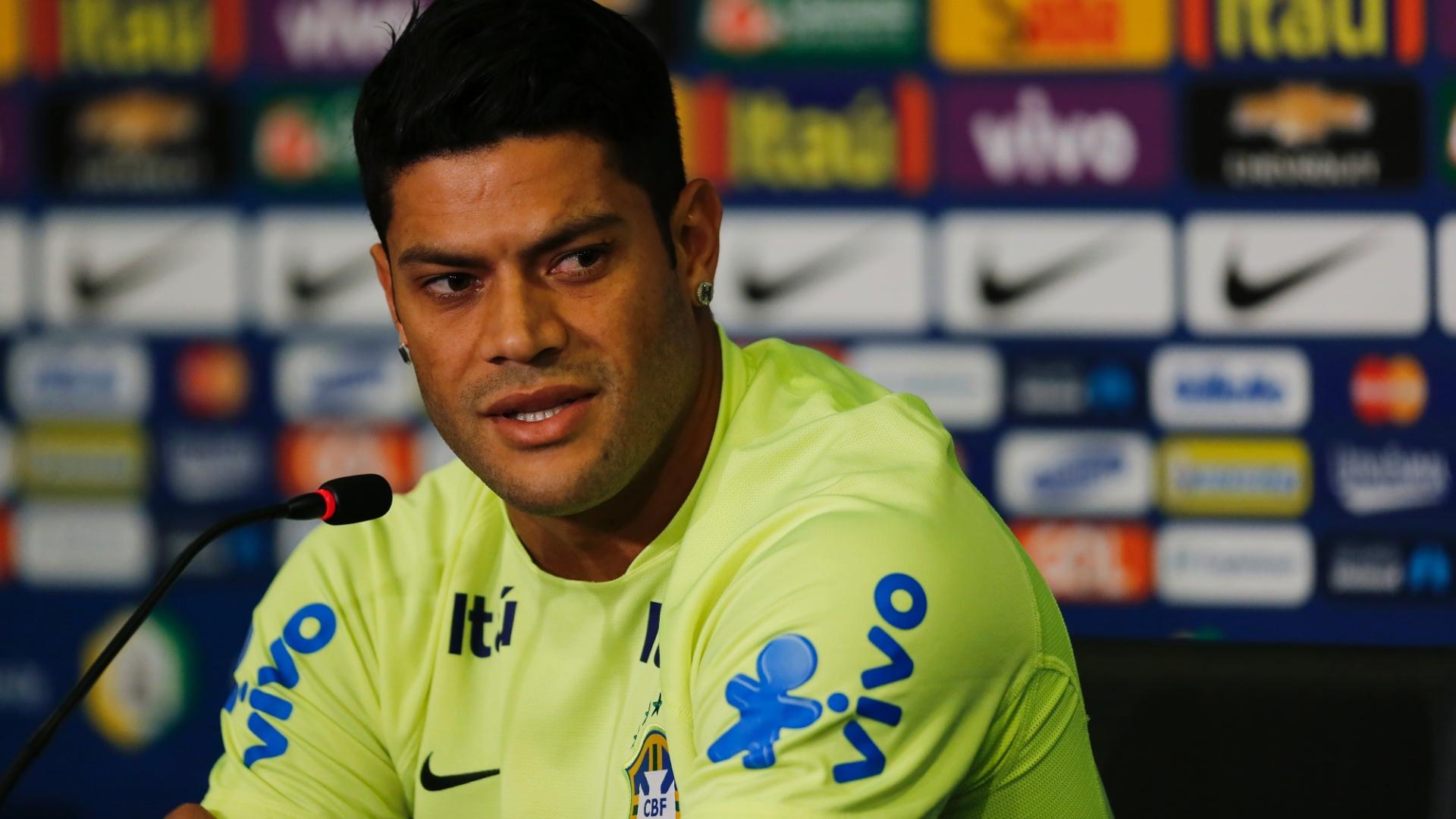 Hulk dá entrevistas neste domingo no Castelão, antes do penúltimo treino da seleção