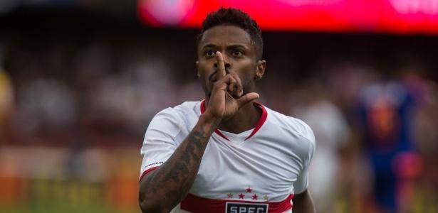 Michel Bastos foi a última tentativa do Santos, que também desejou Ganso e Kardec