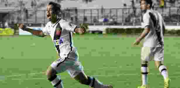Pikachu marcou um golaço contra o Joinville ao acertar o ângulo da entrada da área - Carlos Gregório Jr/Vasco.com.br
