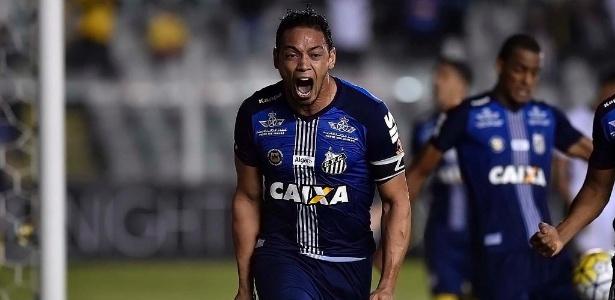 Ricardo Oliveira comemora gol da vitória do Santos sobre o Fluminense
