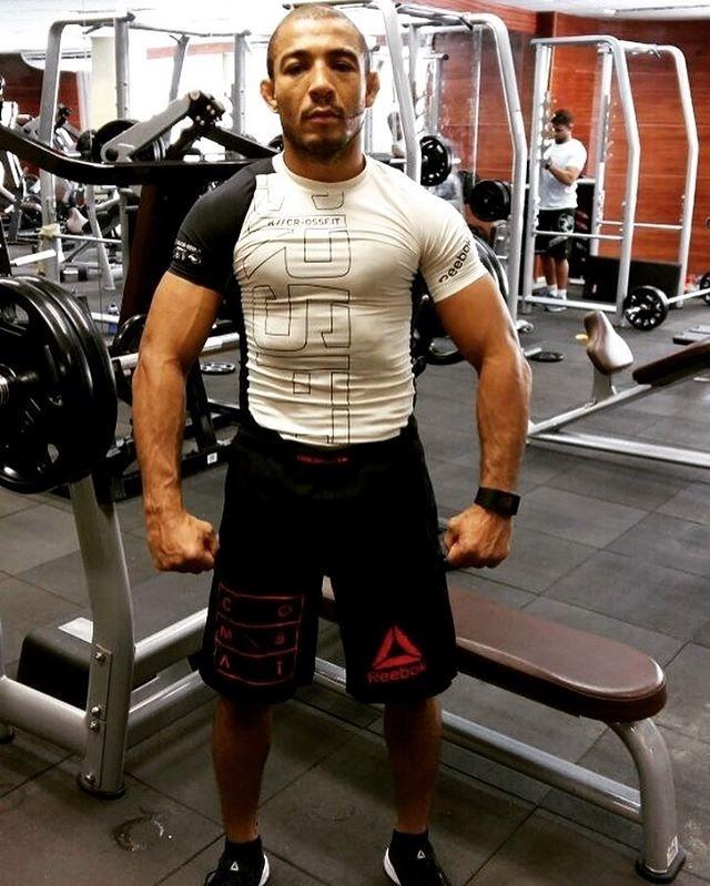 José Aldo publica foto exibindo físico