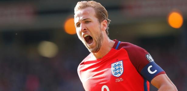 O atacante Harry Kane comemora o gol do empate da Inglaterra contra a Escócia