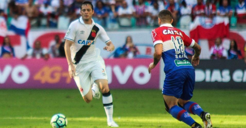 Anderson Martins, do Vasco, em ação durante partida contra o Bahia