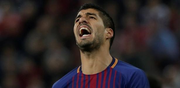 Luis Suárez lamenta chance perdida pelo Barcelona contra o Olympiacos