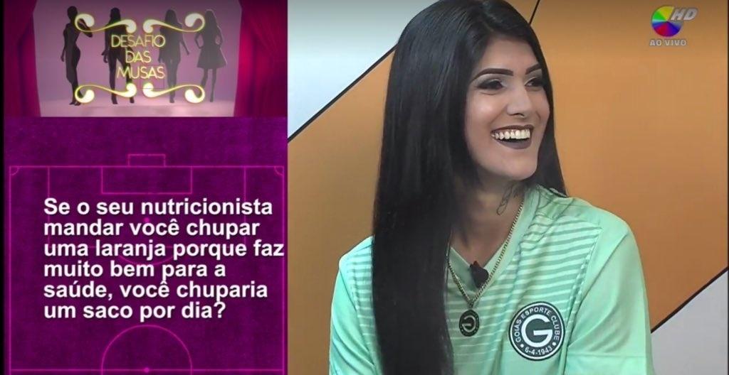 Torcedora do Goiás é alvo de perguntas sexistas na Band