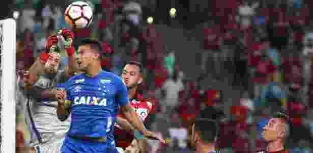 Na ida, Cruzeiro venceu o Flamengo por 2 a 0 dentro do Maracanã - REUTERS/Pilar Olivares