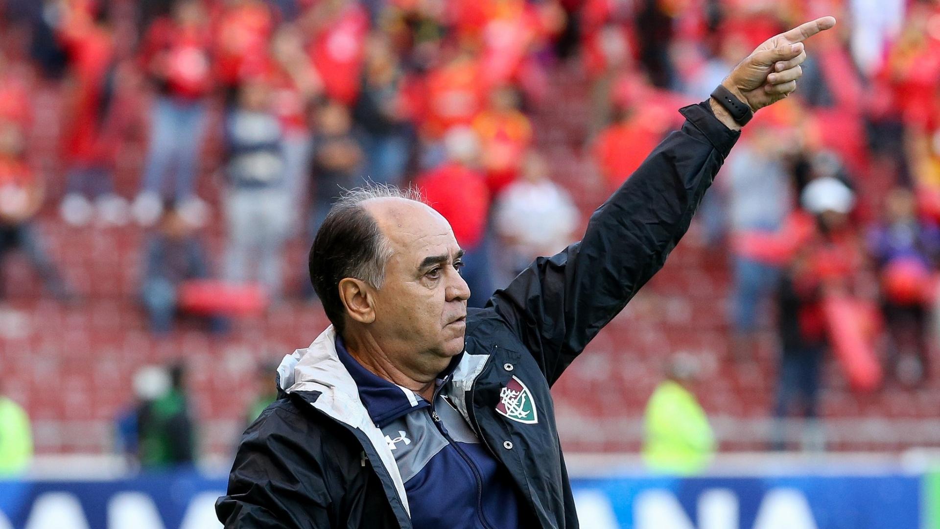 Técnico Marcelo Oliveira comanda o Fluminense contra o Deportivo Cuenca