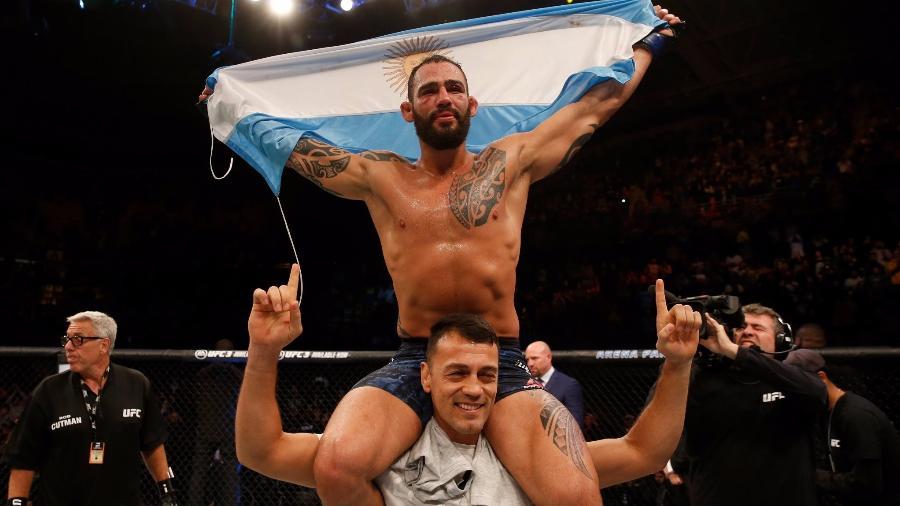 Santiago Ponzinibbio faz a festa com vitória no UFC Argentina - Divulgação/Twitter/UFC