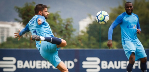 Rafael Sóbis e Manoel em treino do Cruzeiro, jogadores podem deixar o clube - Vinnicius Silva/Cruzeiro