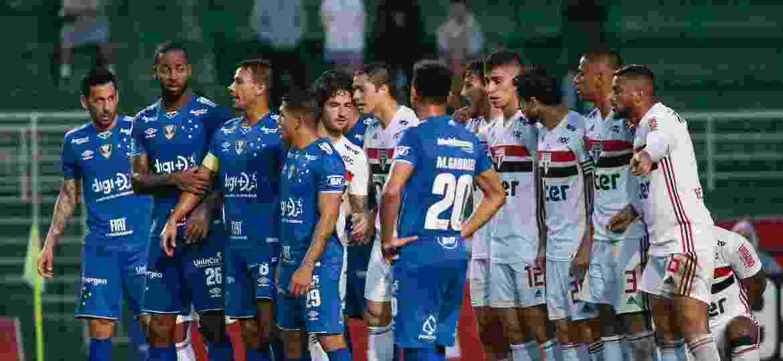 No primeiro turno, São Paulo e Cruzeiro empataram por 1 a 1 em jogo no Pacaembu - Marcello Zambrana/AGIF