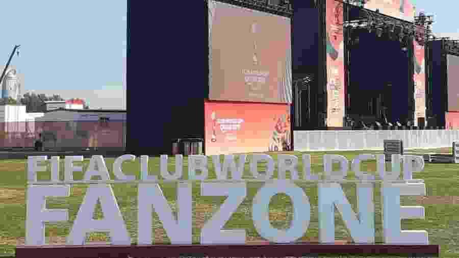 """Área da """"fan zone"""" montada no Catar, local do Mundial de Clubes - Leo Burlá / UOL"""