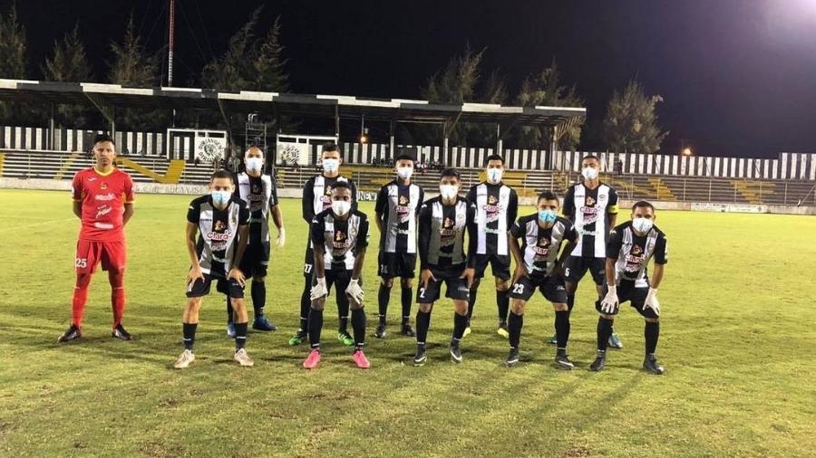 Jogadores do Diriangén, clube da Nicarágua que tem jogado mesmo no meio da pandemia - Divulgação
