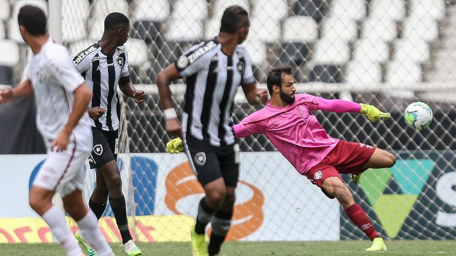 Com Muriel de uniforme rosa, Fluminense não perdeu nenhum jogo em outubro - Lucas Merçon/Fluminense FC