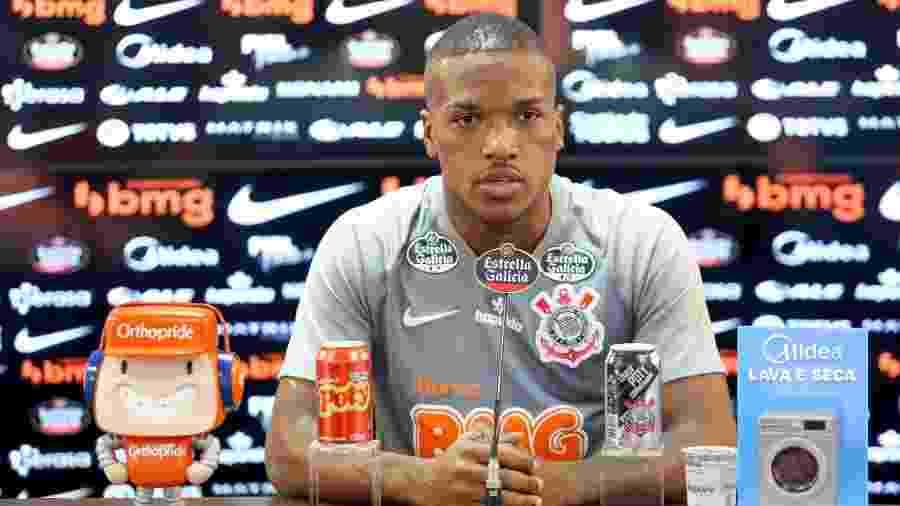 Xavier, volante do Corinthians, concede entrevista no CT Joaquim Grava - Rodrigo Coca/Corinthians