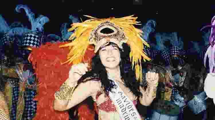 Doroty Martos como madrinha de bateria no desfile de 1995 da Gaviões da Fiel - Arquivo Pessoal - Arquivo Pessoal
