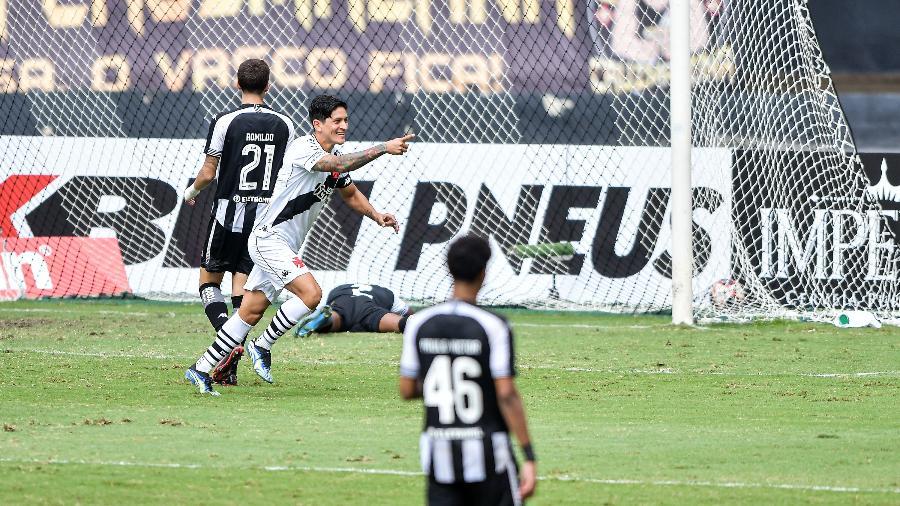 German Cano, do Vasco, comemora seu gol durante partida contra o Botafogo no Engenhao pelo campeonato Carioca 2021 - Thiago Ribeiro/Thiago Ribeiro/AGIF