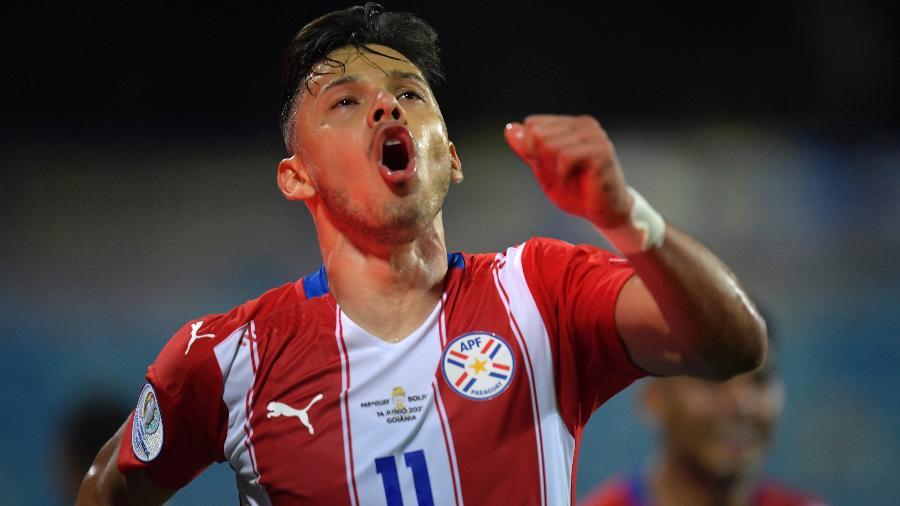 Ángel Romero comemora boa estreia pelo Paraguai na Copa América em vitória sobre a Bolívia - Pedro Vilela/Getty Images
