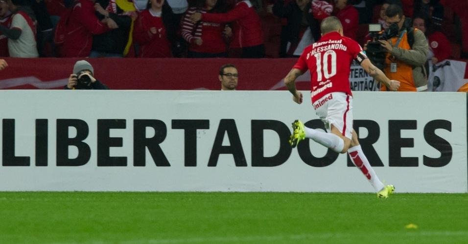 D'Alessandro comemora gol pelo Internacional na semifinal contra o Tigres