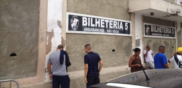 Procura por ingressos para Vasco x Santos não tem sido muito grande em São Januário