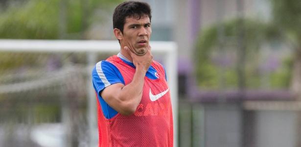 Zagueiro saiu em defesa dos companheiros de ataque após a derrota para o Atlético-PR