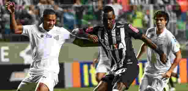 Santos tem sofrido com falhas defensivas nos últimos jogos do Brasileirão - Bruno Cantini/Atlético-MG