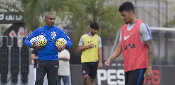 Cristóvão Borges não deve ter novos reforços até o fim do ano