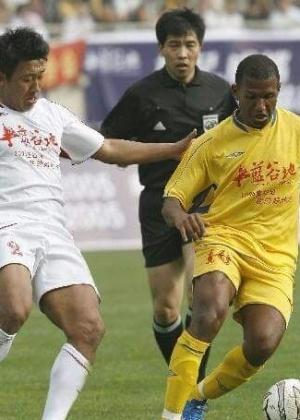 Marcelo Marmelo integrou a primeira leva de brasileiros no futebol da China, nos anos 90