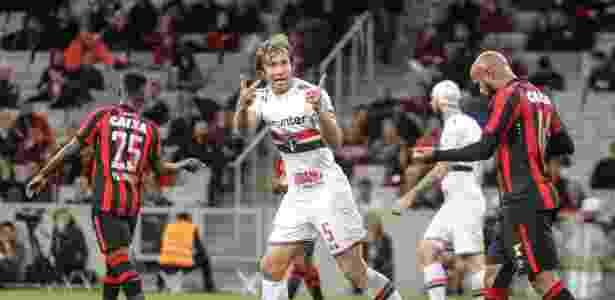 Lugano durante o duelo do Atlético-PR contra o São Paulo - RODRIGO FÉLIX LEAL/FUTURA PRESS/FUTURA PRESS/ESTADÃO CONTEÚDO