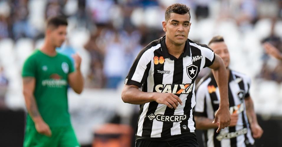 Brenner comemora gol do Botafogo contra o Boavista pelo Campeonato Carioca