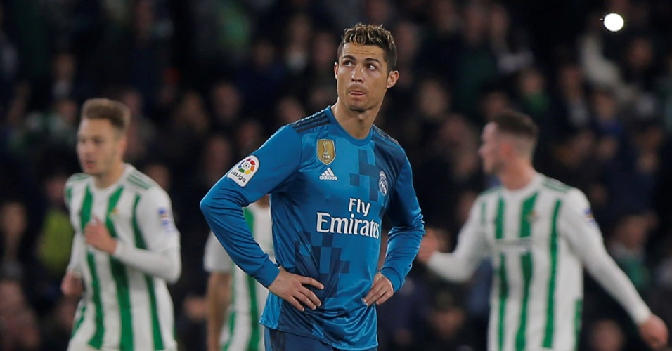 Cristiano Ronaldo é puro desânimo após virada do Betis sobre o Real Madrid