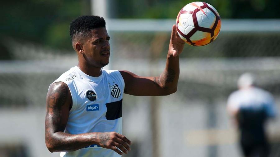 Após polêmica com cocaína, ex-Santos chega ao Corinthians