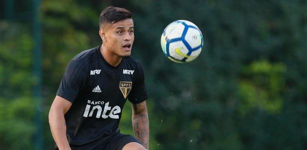 Everton está confirmado na equipe titular do São Paulo, nesta quinta-feira - Marcello Zambrana/AGIF