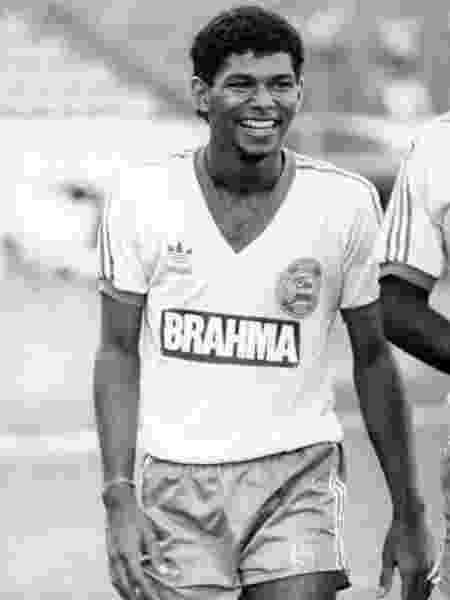 Charles foi campeão brasileiro de 1988 pelo Bahia e defendeu a seleção brasileira - Reprodução