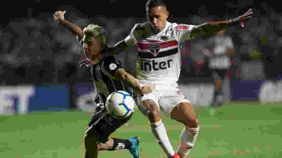Igor Vinícius teve atuação de destaque ao marcar Soteldo no clássico entre São Paulo e Santos - Ivan Storti/Santos FC